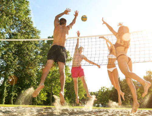 Beach volley en vacances entre mer et sport