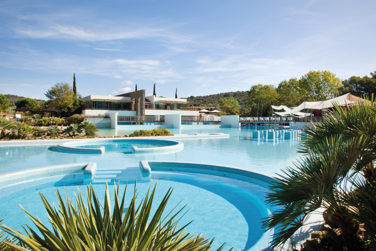 Piscina e Pool Bar - Camping Village Rocchette