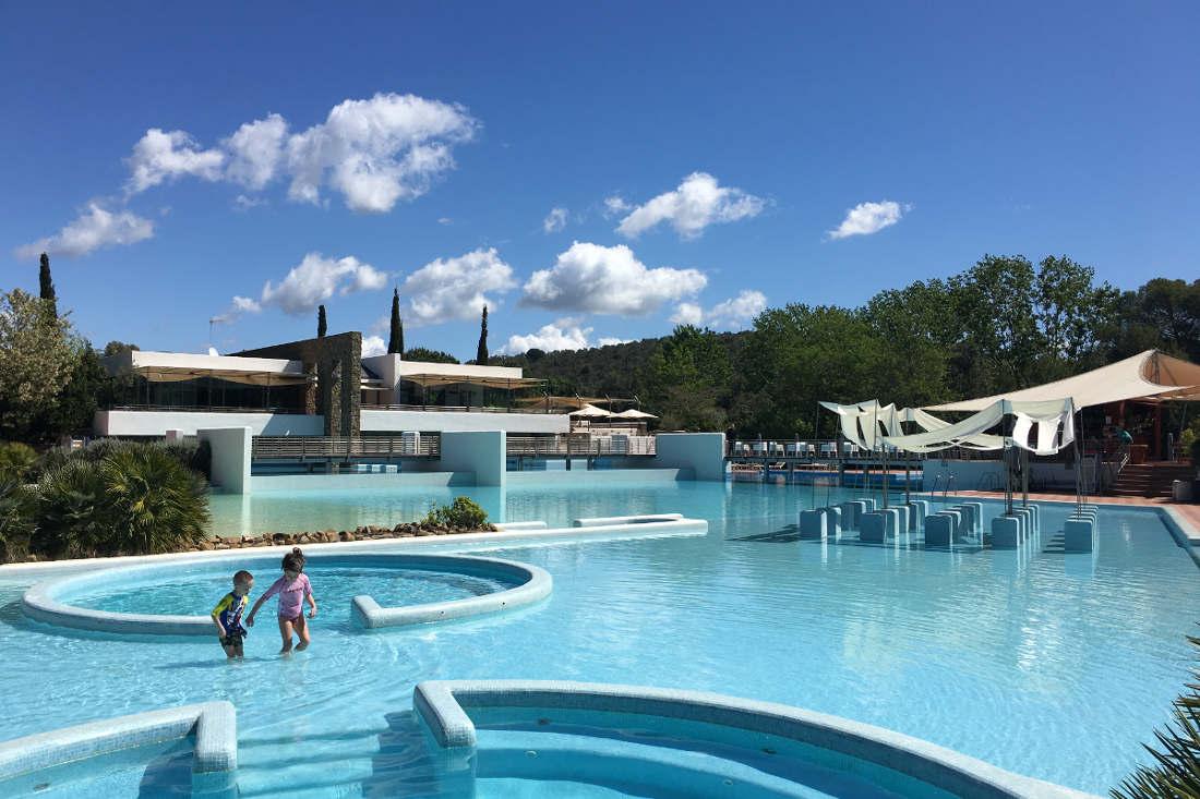 Campeggio e bungalow con piscina in toscana perch scegliere rocchette rocchette camping - Hotel con piscina riscaldata per bambini ...